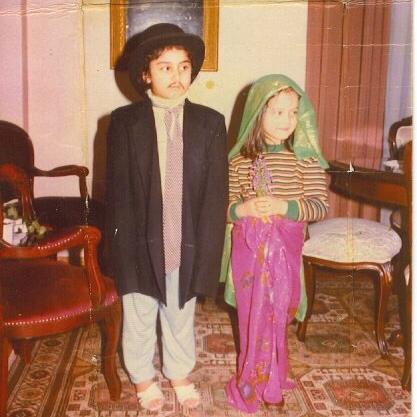 Gonca (damat) babamın şapka, ceket ve kravatıyla, ben (gelin) annemin pareolarıyla :)